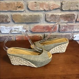 CL CHINESE LAUNDRY Linen Wedges